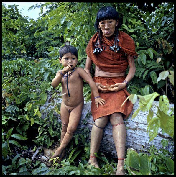 Arawete elder & child - Amazon 2002