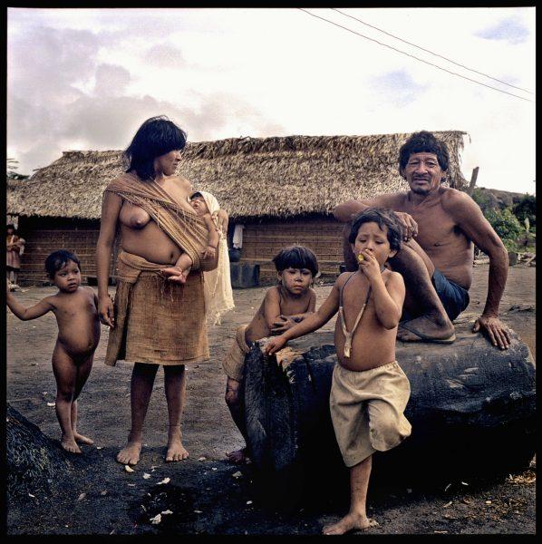 Arawete family - Amazon 2002
