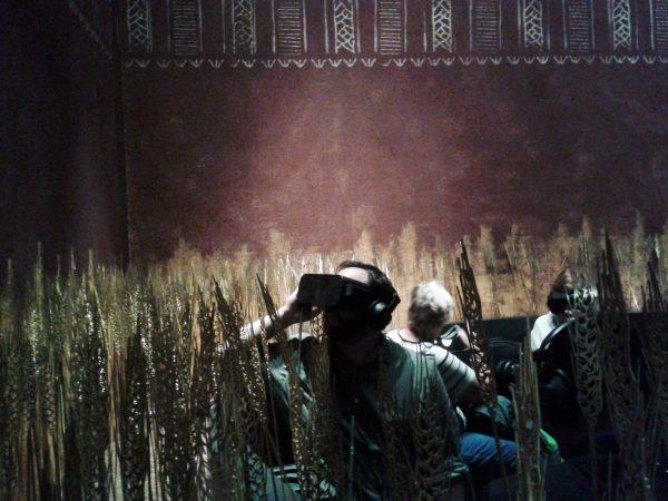 Mit der Virtual Reality-Brille in die Steinzeit im dänischen Moesgaard Museum