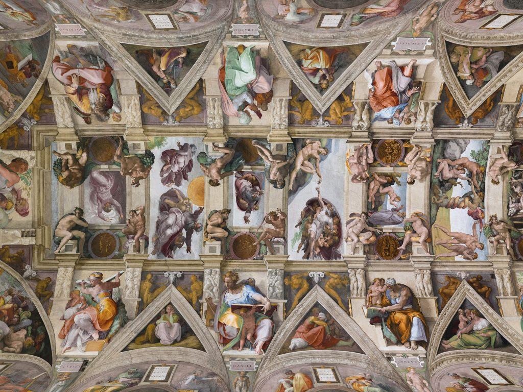 """""""Die Erschaffung Adams"""" im Kontext: Das Foto zeigt die gesamte Deckenausmalung der Sixtinischen Kapelle."""