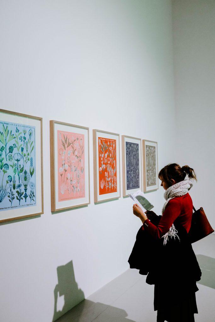 woman at art fair