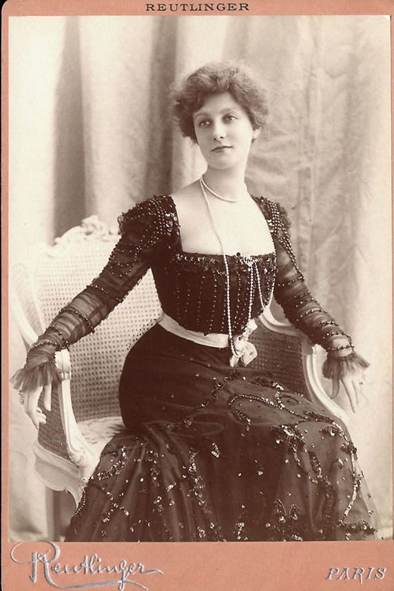 Photograph of Henriette Henriot